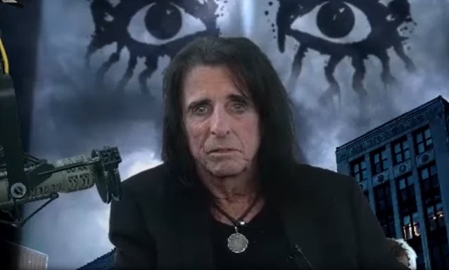 alice-cooper-says-he-had-his-first-drug-experience-with-jimi-hendrix