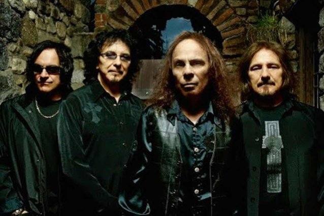 ronnie-james-dio-'hated'-singing-ozzy-osbourne-era-black-sabbath-songs,-says-vinny-appice