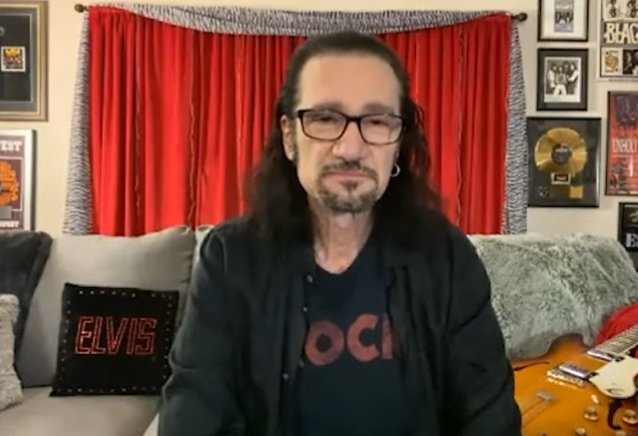 former-kiss-guitarist-bruce-kulick's-advice-for-new-artists:-'you've-just-gotta-persevere-and-keep-working-hard-at-it'