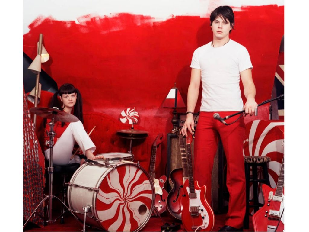 hear-an-alternate-take-of-the-white-stripes␙-␜fell-in-love-with-a-girl␝