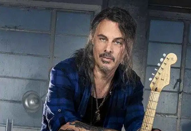 richie-kotzen-looks-back-on-his-acrimonious-exit-from-poison:-'i-think-we-all-got-over-s**t-and-moved-on'