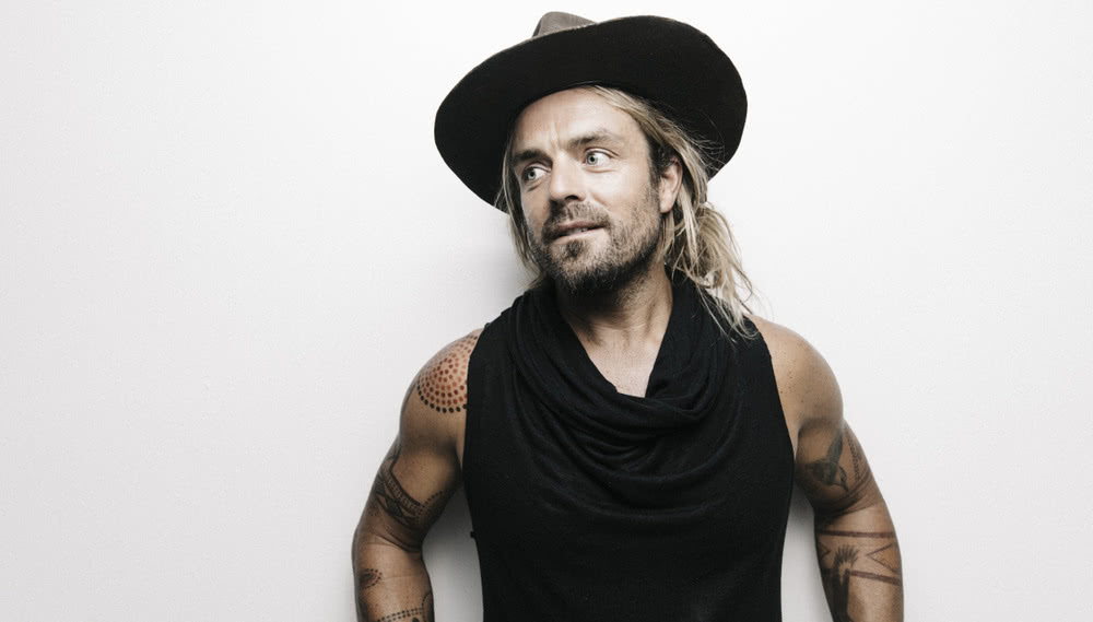 xavier-rudd-inks-touring,-management-and-label-deals;-new-music-coming-soon