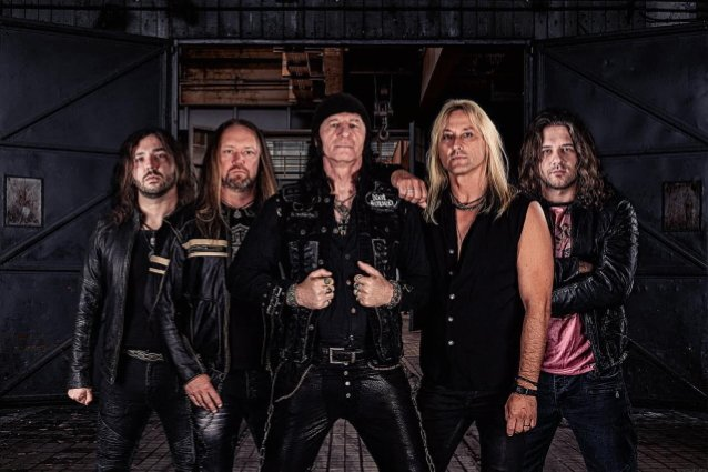 former-accept-guitarist-herman-frank-releases-lyric-video-for-'venom'-from-new-solo-album-'two-for-a-lie'