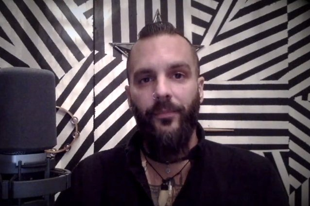 killswitch-engage's-jesse-leach:-'we-have-a-lot-of-liars-and-deceivers-at-the-top-of-our-country'