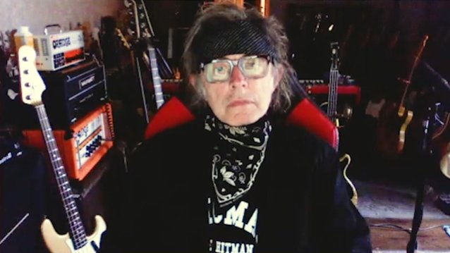 cheap-trick-bassist-tom-petersson-recovering-from-open-heart-surgery